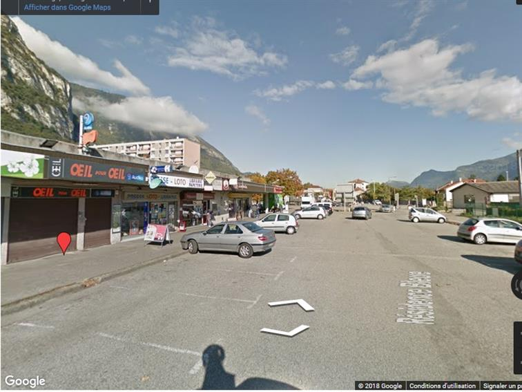 Local commercial Location 38360 SASSENAGE