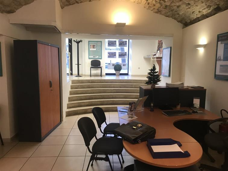 Local commercial Location 30000 NIMES
