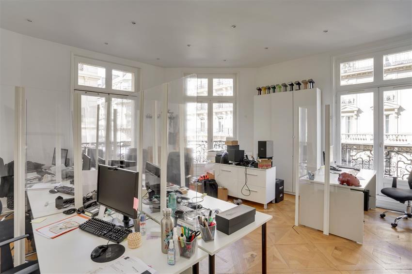 Bureau Location 75008 PARIS 41 RUE FRANCOIS 1ER