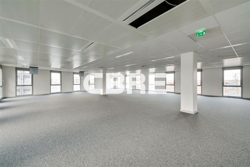Bureau Location 69008 LYON 38-40 AVENUE JEAN MERMOZ