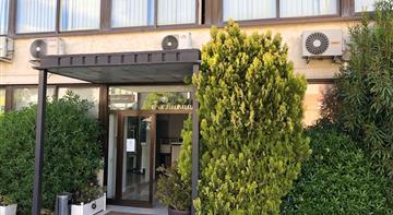 Bureau Location 06250 MOUGINS