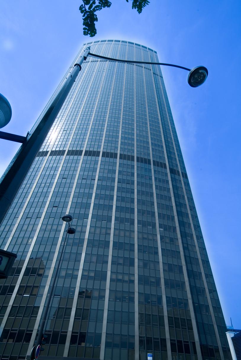 La tour Montparnasse, 40 ans et toujours le seul ITGH de Paris
