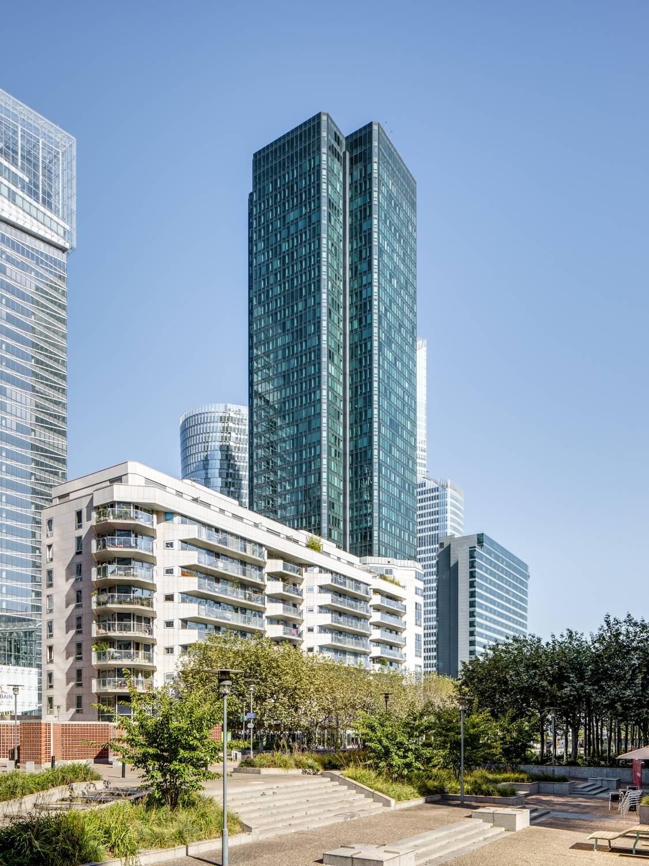 CB21 : icone de la skyline de la Défense